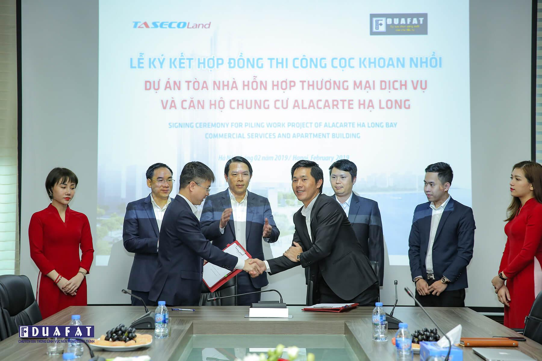 SIGNING CEREMONY FOR PILING WORK PROJECT OF A LA CARTE HA LONG BAY CONDOTEL